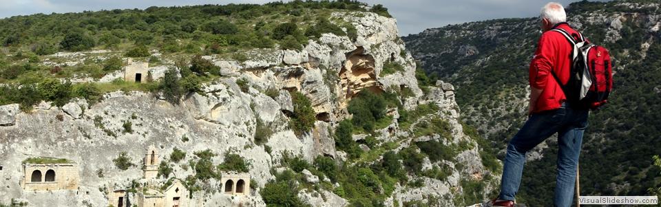 Risultati immagini per Sentiero Belvedere, itinerario panoramico nel Parco delle Chiese Rupestri.